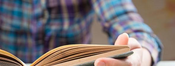 Escrever clara e objetivamente, com fluidez e riqueza vocabular, é requisito primário para qualquer profissional, seja da área que for.